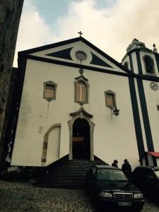 O que fazer em Obidos Portugal: roteiro de 1 dia pela cidade - igreja de santiago