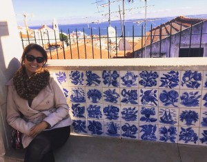 Vi essa parede cheia de azulejos por lá e não resisti!