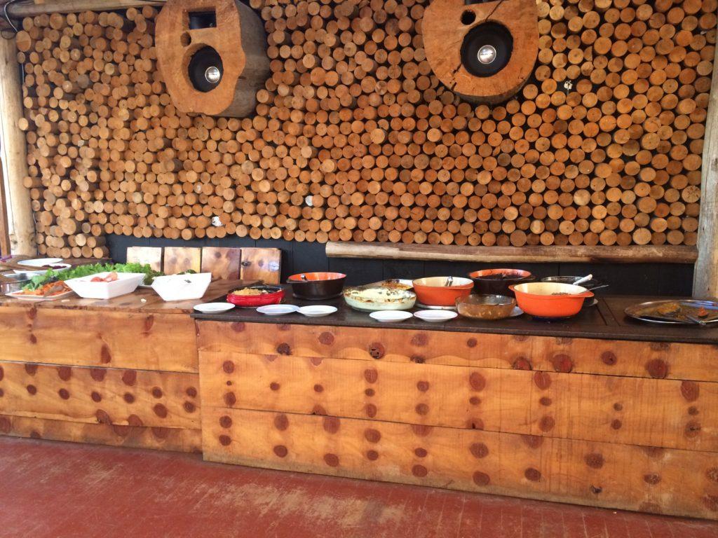 O buffet do Snow Valley, meio