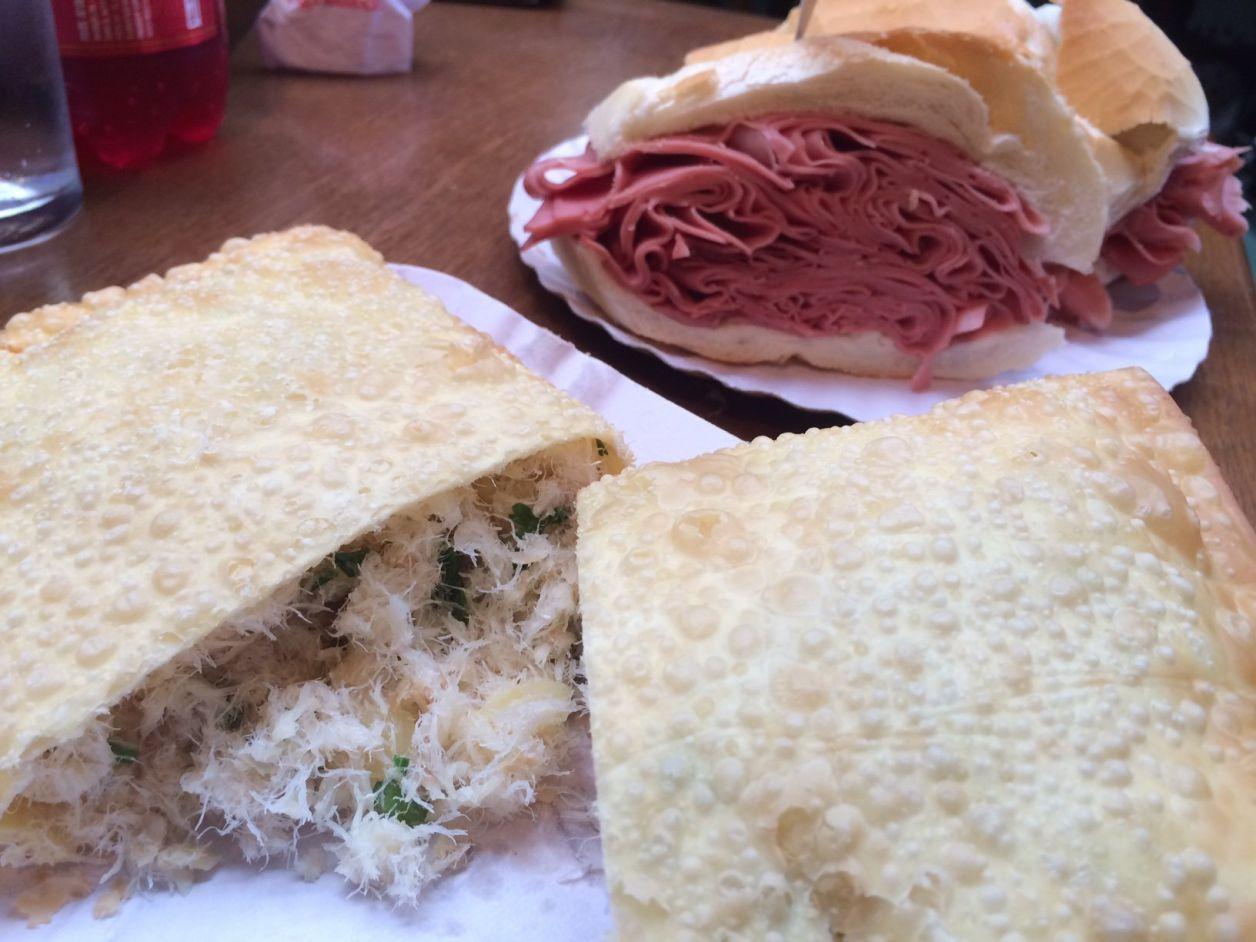 Mercado Municipal: pastel e sanduíche de mortadela