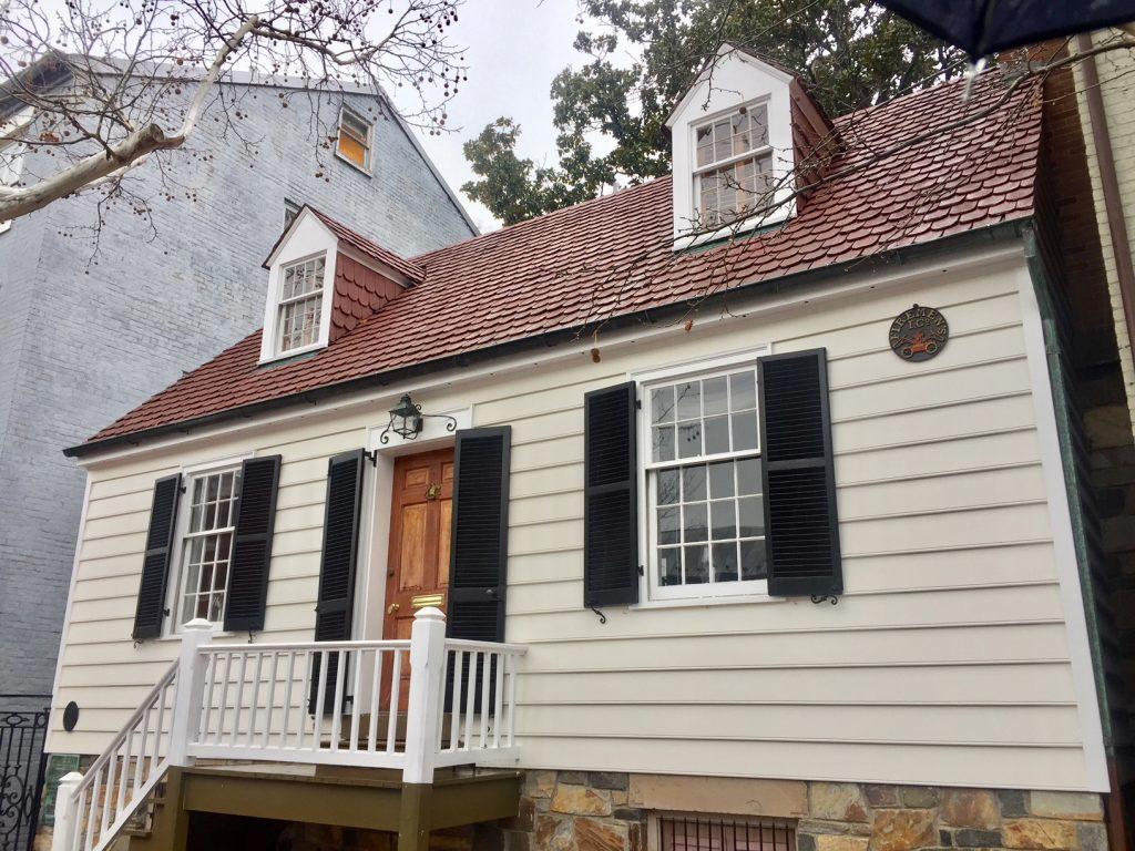 réplica da casa de george washington em alexandria