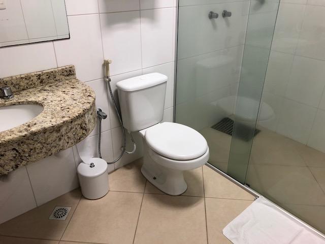 banheiro do hotel kindermann