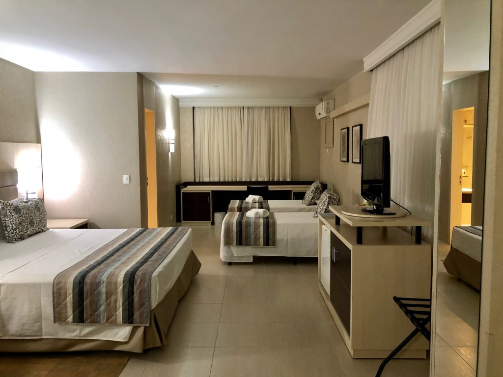 quarto hotel metrópole maringá