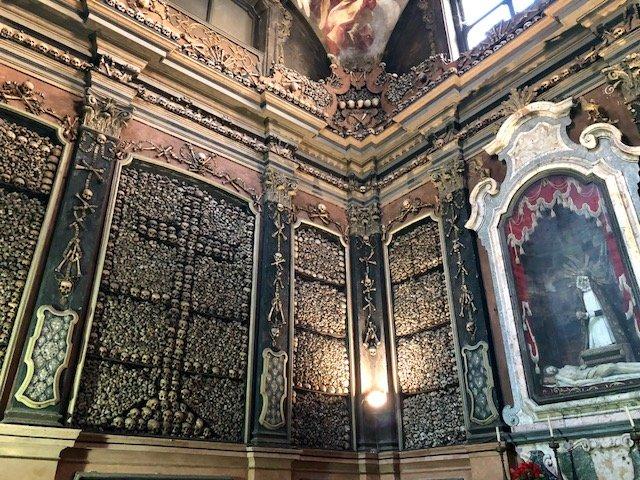 capela de ossos de Milão