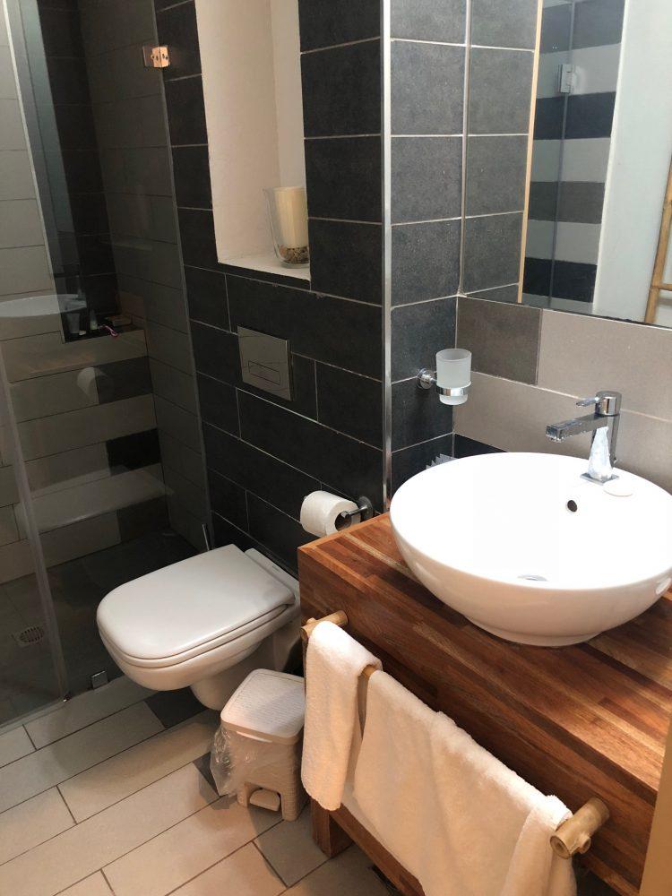 banheiro hotel Haifa