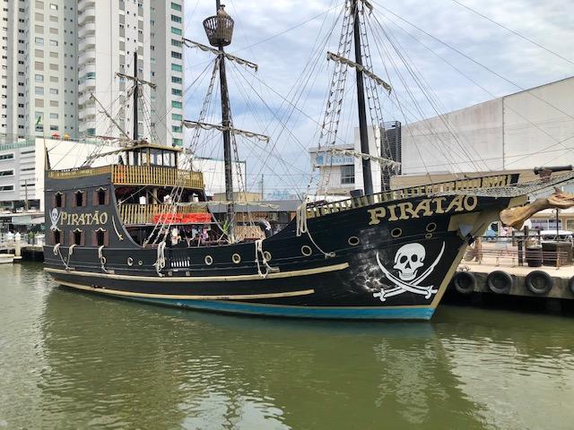 barco pirata em bc