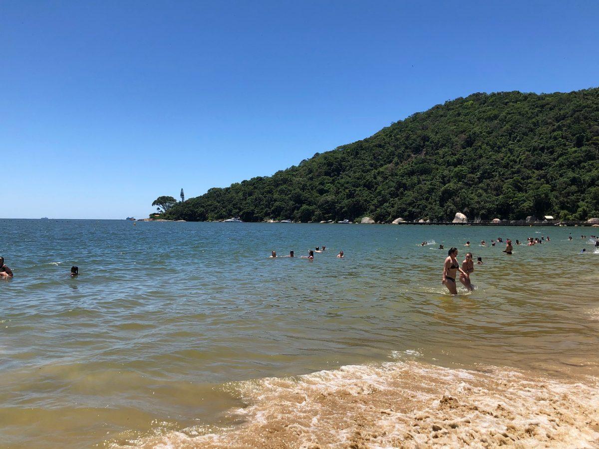 praia de laranjeiras em bc